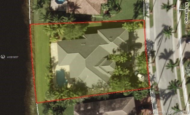 2677 Cypress Lane, Weston, FL 33332 (MLS #A10619337) :: Green Realty Properties