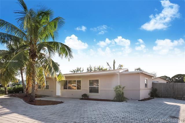 2651 NE 8th Ave, Pompano Beach, FL 33064 (MLS #A10619458) :: GK Realty Group LLC