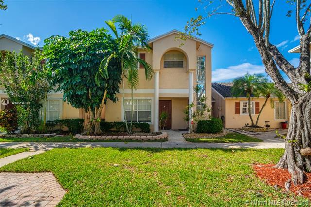 3879 NW 122nd Ter 2-L, Sunrise, FL 33323 (MLS #A10619480) :: Laurie Finkelstein Reader Team