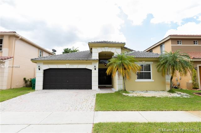 13236 SW 51st St, Miramar, FL 33027 (MLS #A10619502) :: Green Realty Properties