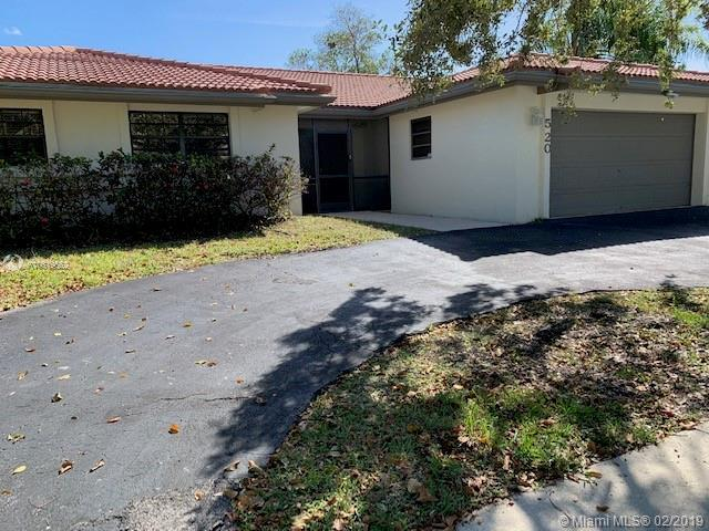 520 SW 169th Ave, Weston, FL 33326 (MLS #A10619662) :: Green Realty Properties