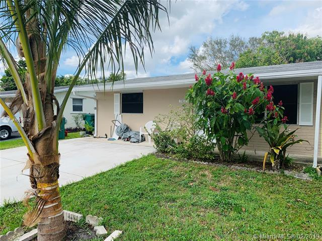9457 SW 52nd Ct, Cooper City, FL 33328 (MLS #A10619745) :: Green Realty Properties