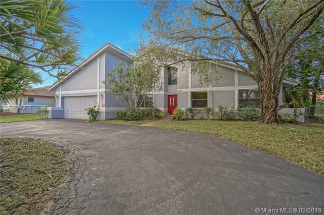 266 NW 119th Dr, Coral Springs, FL 33071 (#A10619770) :: Dalton Wade