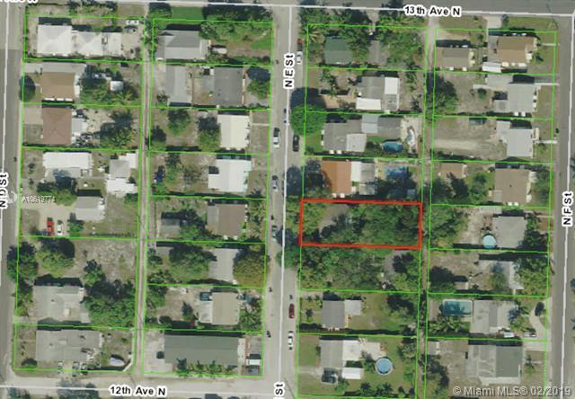 1216 N E St, Lake Worth, FL 33460 (MLS #A10619774) :: Grove Properties
