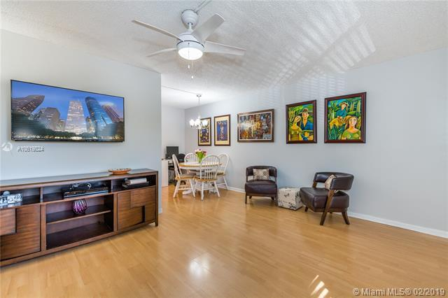 13155 SW 7th Ct 207E, Pembroke Pines, FL 33027 (MLS #A10619824) :: Green Realty Properties