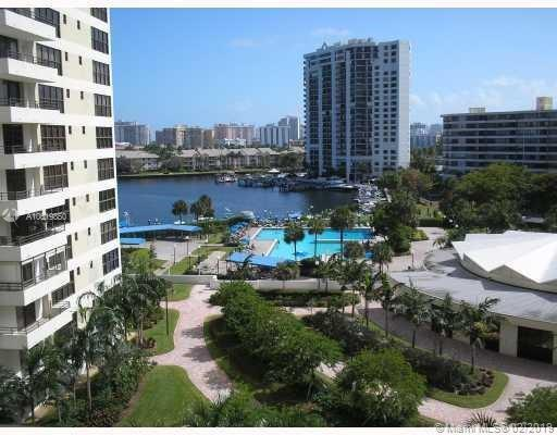 2500 Parkview Dr #816, Hallandale, FL 33009 (MLS #A10619850) :: United Realty Group