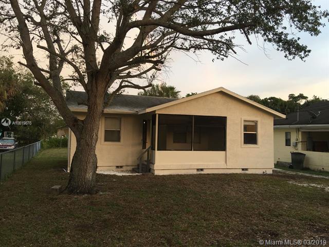 428 N 21st St, Fort Pierce, FL 34950 (MLS #A10619878) :: Grove Properties