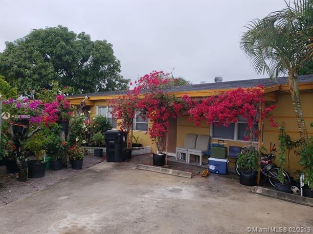 1614-1618 S 3rd Ave S, Lake Worth, FL 33460 (MLS #A10619890) :: Ray De Leon with One Sotheby's International Realty