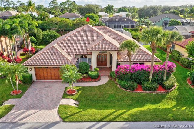 8900 SE Water Oak Place, Tequesta, FL 33469 (MLS #A10620011) :: The Paiz Group