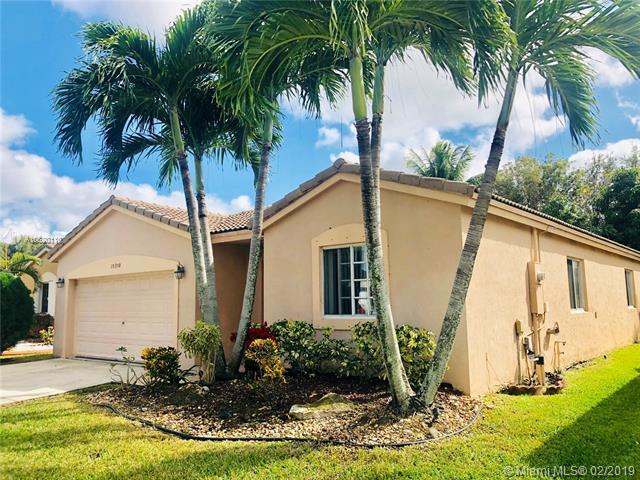10350 SW 24th Ct, Miramar, FL 33025 (MLS #A10620110) :: The Teri Arbogast Team at Keller Williams Partners SW