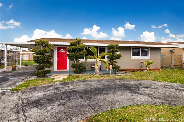 8301 NW 10 ST, Pembroke Pines, FL 33024 (MLS #A10620111) :: The Riley Smith Group