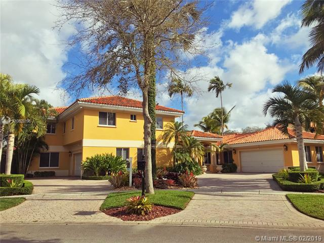 16731 NW 82nd Ct, Miami Lakes, FL 33016 (MLS #A10620195) :: The Teri Arbogast Team at Keller Williams Partners SW