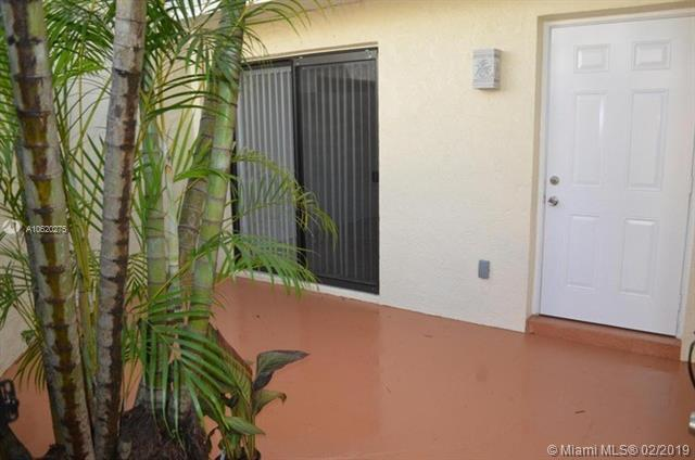 635 Executive Center Dr M108, West Palm Beach, FL 33401 (MLS #A10620275) :: United Realty Group