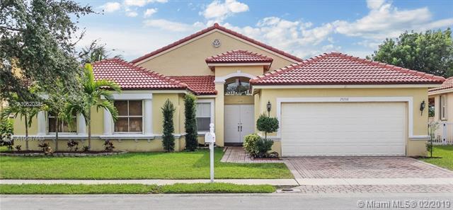 19150 SW 16th St, Pembroke Pines, FL 33029 (MLS #A10620345) :: Castelli Real Estate Services
