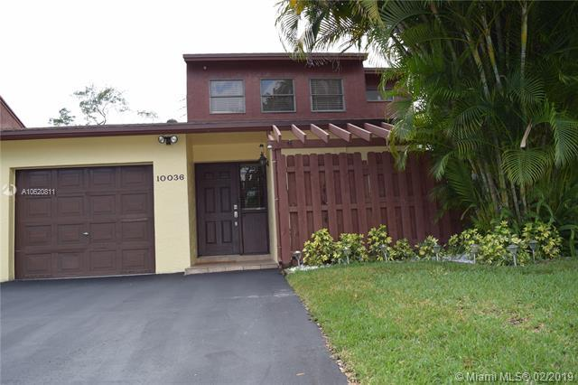 10036 SW 16 Street, Pembroke Pines, FL 33025 (MLS #A10620811) :: Green Realty Properties
