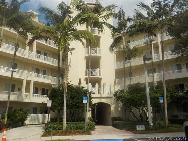 3600 Oaks Clubhouse Dr #209, Pompano Beach, FL 33069 (MLS #A10620815) :: Castelli Real Estate Services