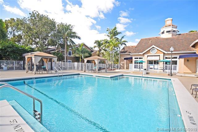 15590 SW 106th Ln #1606, Miami, FL 33196 (MLS #A10620853) :: Miami Villa Group