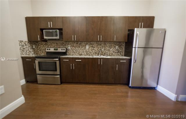 1469 SW 5th St #5, Miami, FL 33135 (MLS #A10620907) :: The Chenore Real Estate Group