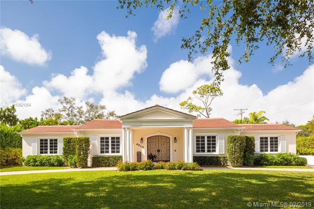 4210 Santa Maria St, Coral Gables, FL 33146 (MLS #A10621064) :: The Maria Murdock Group