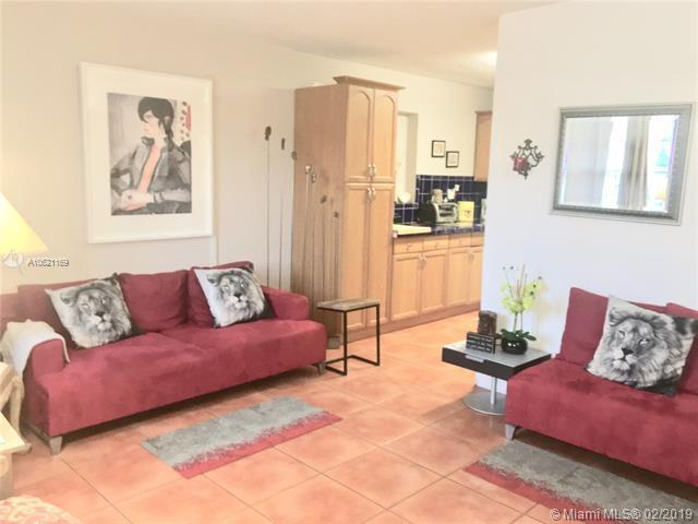 6103 Monroe St, Hollywood, FL 33023 (MLS #A10621169) :: Green Realty Properties