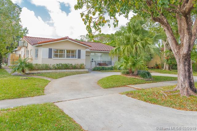 3908 Adams St, Hollywood, FL 33021 (MLS #A10621342) :: The Paiz Group