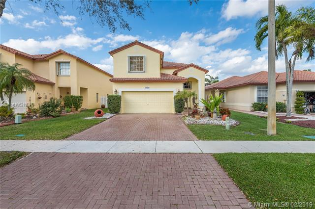 19229 NW 13th St, Pembroke Pines, FL 33029 (MLS #A10621368) :: Castelli Real Estate Services