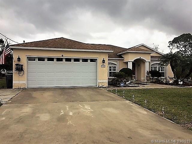 1990 SW Logwood Rd, Port Saint Lucie, FL 34953 (MLS #A10621372) :: The Riley Smith Group
