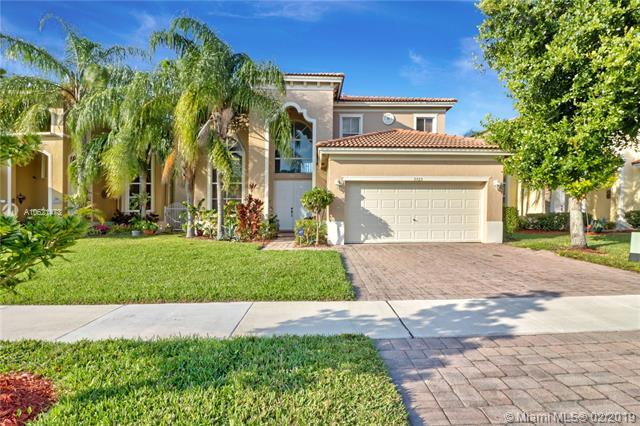 3725 NE 19th St, Homestead, FL 33033 (#A10621473) :: Dalton Wade