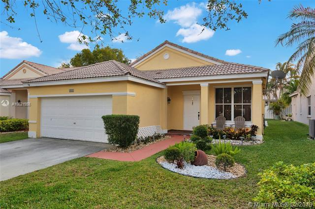 866 Briar Ridge Rd, Weston, FL 33327 (MLS #A10621558) :: The Teri Arbogast Team at Keller Williams Partners SW