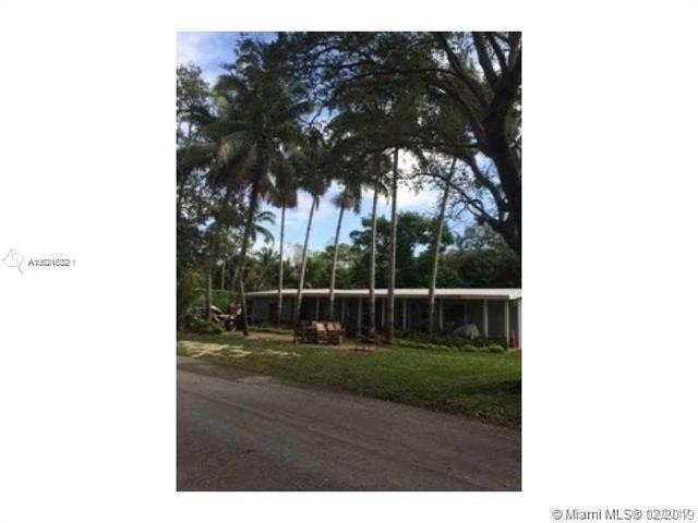 7921 SW 50th Ct, Miami, FL 33143 (MLS #A10621682) :: The Maria Murdock Group