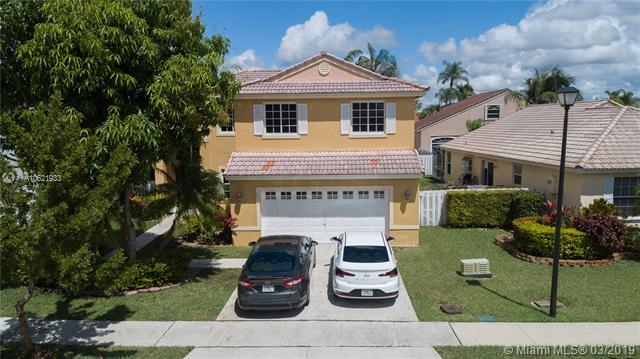 18935 NW 10th St, Pembroke Pines, FL 33029 (MLS #A10621933) :: The Teri Arbogast Team at Keller Williams Partners SW