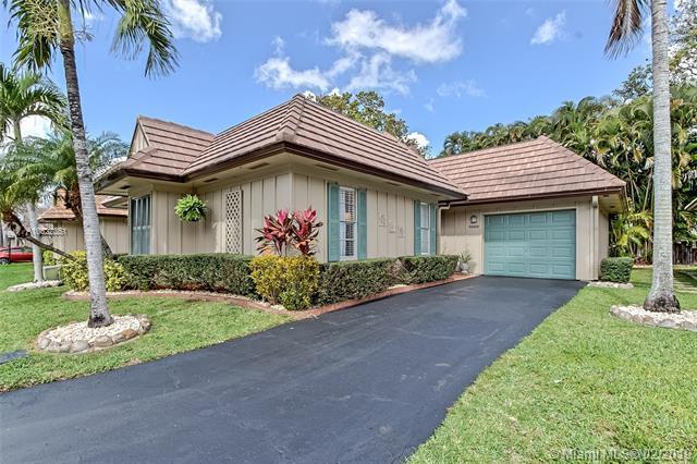 1989 Coquina Way, Coral Springs, FL 33071 (MLS #A10622351) :: GK Realty Group LLC