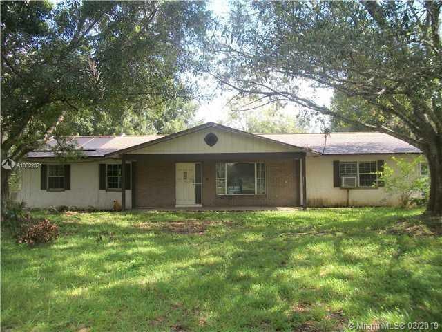 4280 Favorite Rd, Fort Pierce, FL 34981 (MLS #A10622371) :: The Paiz Group