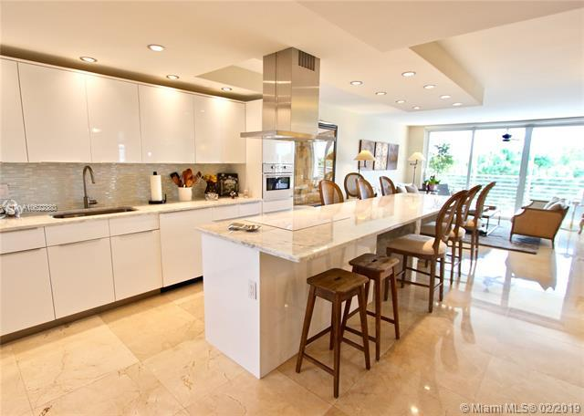 535 Oaks Dr #401, Pompano Beach, FL 33069 (MLS #A10622380) :: Grove Properties