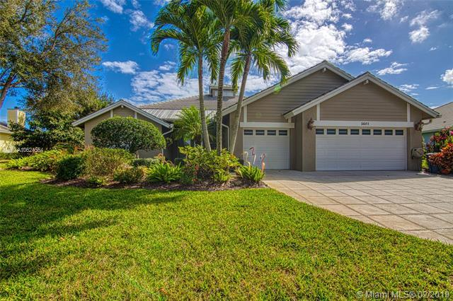 5681 SE Forest Glade Trl, Hobe Sound, FL 33455 (MLS #A10624564) :: The Paiz Group