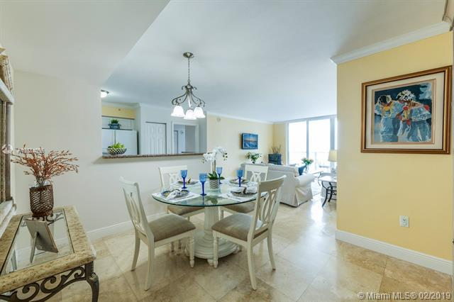 1155 Brickell Bay Dr #2003, Miami, FL 33131 (MLS #A10624655) :: The Howland Group