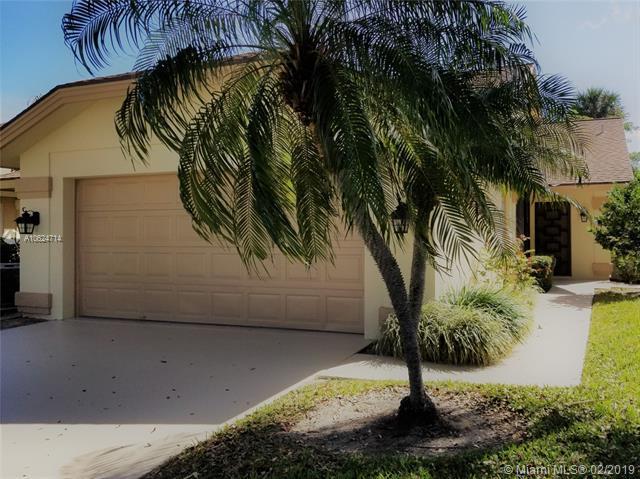 108 Ridge Rd, Jupiter, FL 33477 (MLS #A10624714) :: Green Realty Properties