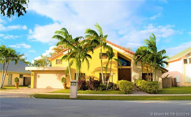 13515 SW 119th St, Miami, FL 33186 (MLS #A10625049) :: The Jack Coden Group