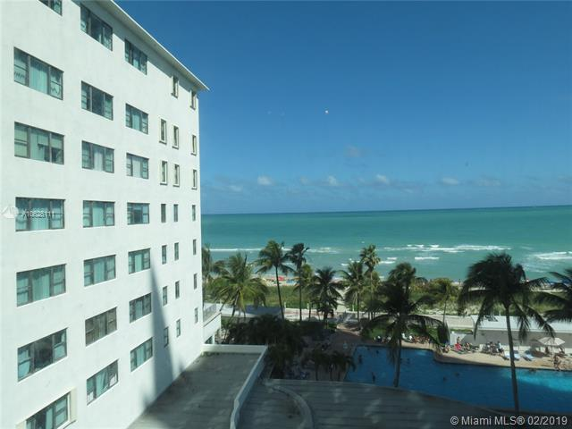 6345 Collins Ave #703, Miami Beach, FL 33141 (MLS #A10625111) :: ONE Sotheby's International Realty