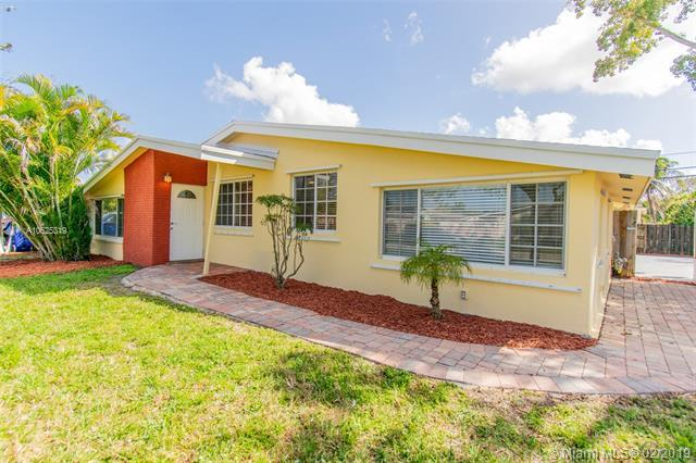 7580 Simms St, Hollywood, FL 33024 (MLS #A10625319) :: RE/MAX Presidential Real Estate Group