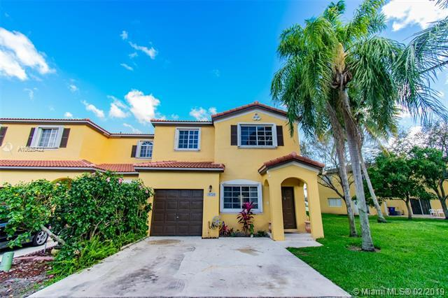 10239 SW 20th St, Miramar, FL 33025 (MLS #A10625422) :: RE/MAX Presidential Real Estate Group
