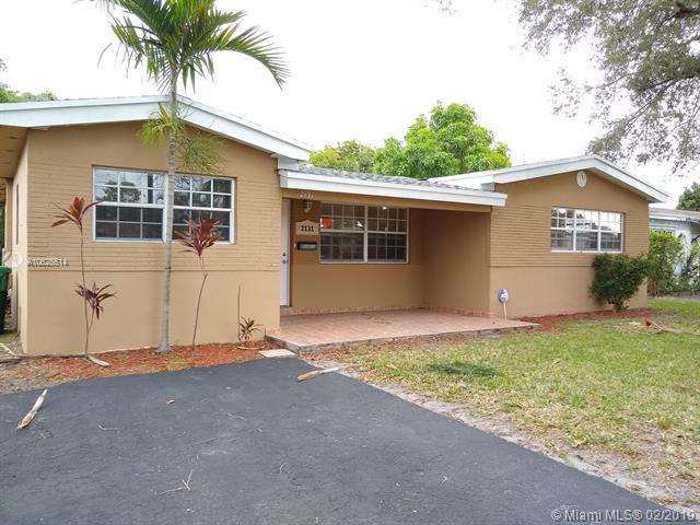 2131 Arcadia Dr, Miramar, FL 33023 (MLS #A10625514) :: RE/MAX Presidential Real Estate Group