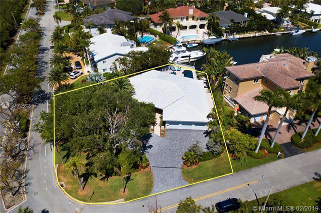 705 Bella Vista Ave, Coral Gables, FL 33156 (MLS #A10625578) :: The Adrian Foley Group