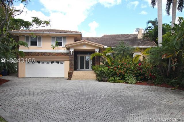 451 Center Island Dr, Golden Beach, FL 33160 (MLS #A10625738) :: ONE Sotheby's International Realty