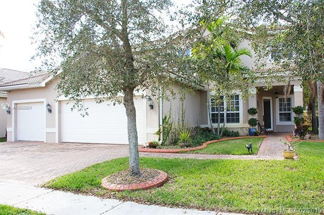 4588 SW 183rd Ave, Miramar, FL 33029 (MLS #A10625801) :: The Riley Smith Group
