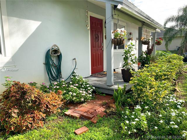 14535 Paradise Trl, West Palm Beach, FL 33470 (MLS #A10626897) :: The Paiz Group