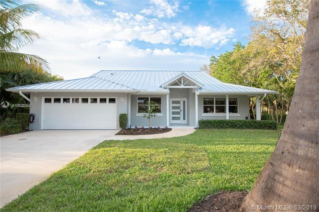 5301 SE Running Oak Circle, Stuart, FL 34997 (MLS #A10628564) :: The Paiz Group
