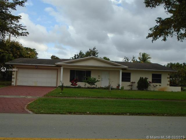 776 NW 48th Ave, Plantation, FL 33317 (MLS #A10628930) :: The Teri Arbogast Team at Keller Williams Partners SW