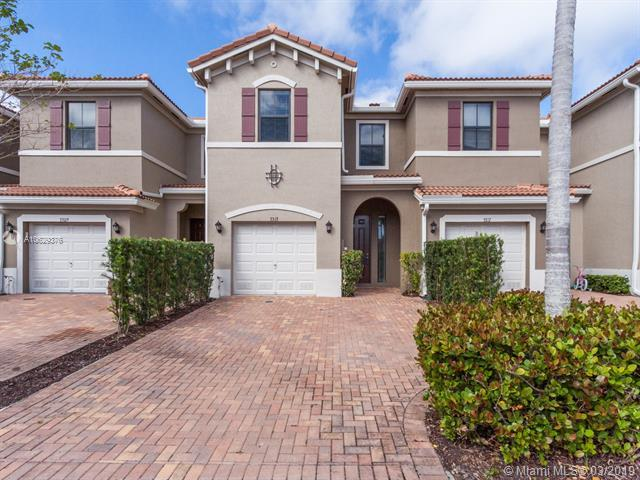 3313 NW 11th Ave #3313, Pompano Beach, FL 33064 (MLS #A10629376) :: Ray De Leon with One Sotheby's International Realty