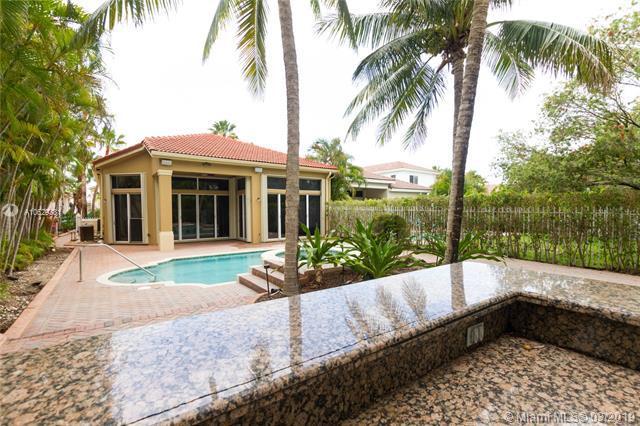 19530 Presidential Wy, Miami, FL 33179 (MLS #A10629381) :: Green Realty Properties